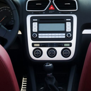 Car stereo services in Corona, CA